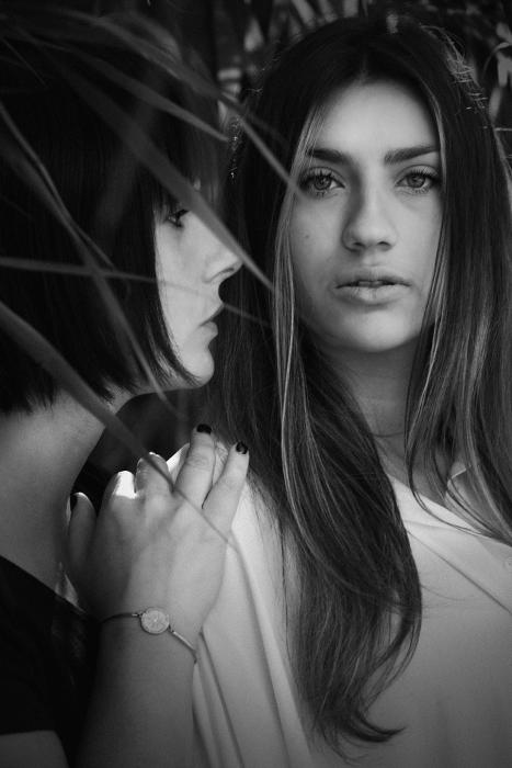 Simona Poncia - PORTRAIT carlotta e sara copia
